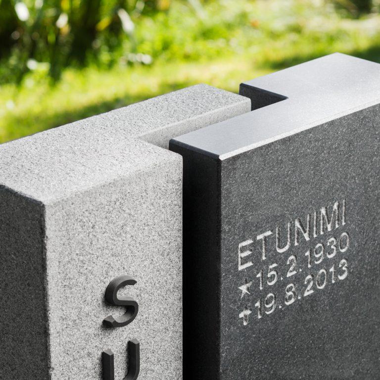 Kivilähde, hautakivi