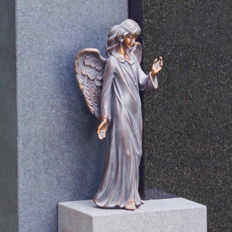 Kivilähde, hautakivet, enkeli