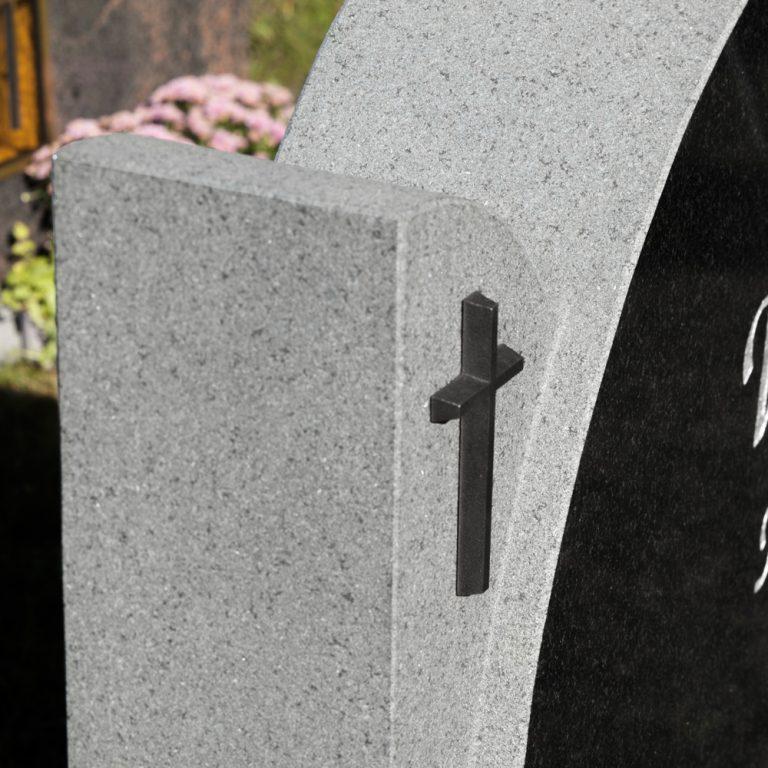 Kivilähde, hautakivet
