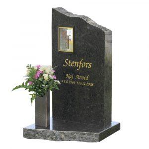 Kivilähde, gravstenar, med lykta, lyktstenar