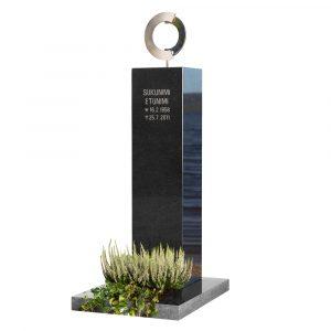 Kivilähde, gravstenar, Ritva-Liisa Pohjalainen, design